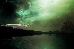 Muž obviňuje mimozemšťany z pozdního poslání daňového přiznání