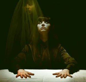 Hry se záhrobím: Jaké jsou největší spiritistické podvody?