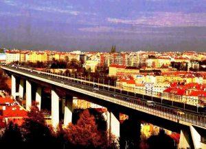 Prokletí Nuselského mostu: Proč zde dobrovolně ukončilo život tolik lidí?