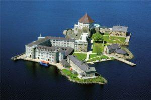 Ukrývá malý irský ostrov vstup na onen svět?