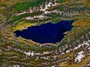 Skrývá jezero Issyk-kul Čingistánův hrob?