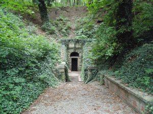 Pražská záhada: Proč nacisté zasypali štolu pod Stromovkou?
