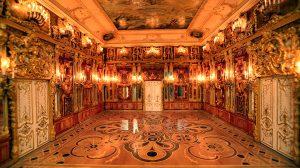 Je jantarová komnata ukryta na českém zámku?