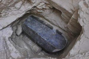 V Egyptě byl nalezen obří sarkofág, jeho obsah je záhadou!