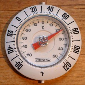 Mohou mít objekty dvě různé teploty najednou?