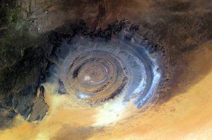 Ukrývá Oko Sahary pozůstatky legendární Atlantidy?