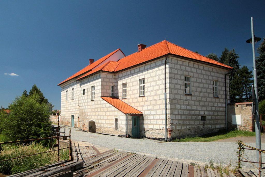 Pohled na zámek od severovýchodu