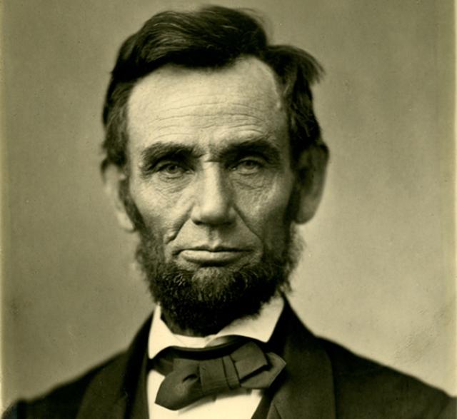 V Bílém domě byl několikrát spatřen duch Abrahama Lincolna.