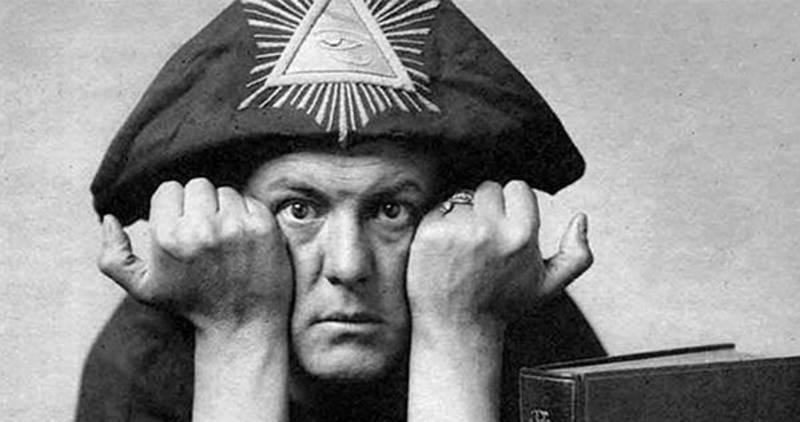 Zakladatel OTO Aleister Crowley.