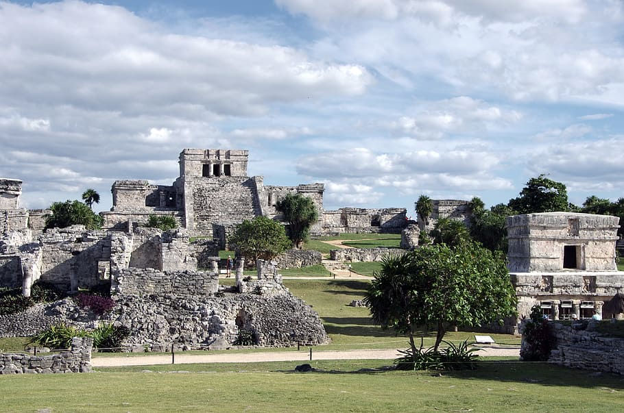Staré stavby dýchají magickou atmosférou.