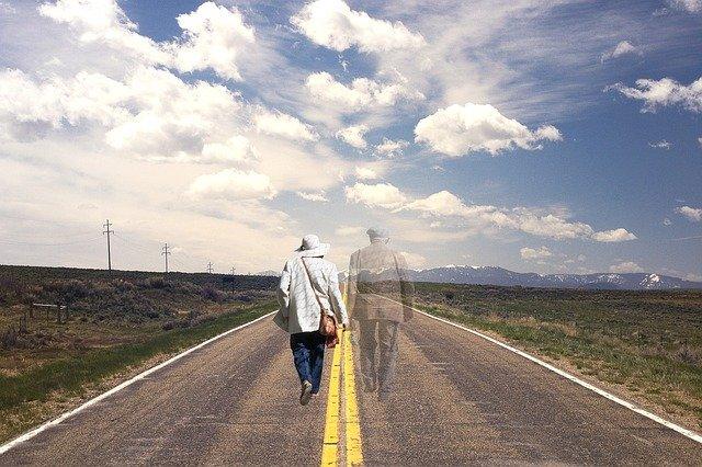 Výhodou vztahu s duchem je, že vás ani smrt nerozdělí. ZDROJ: mysteriousuniverse.com