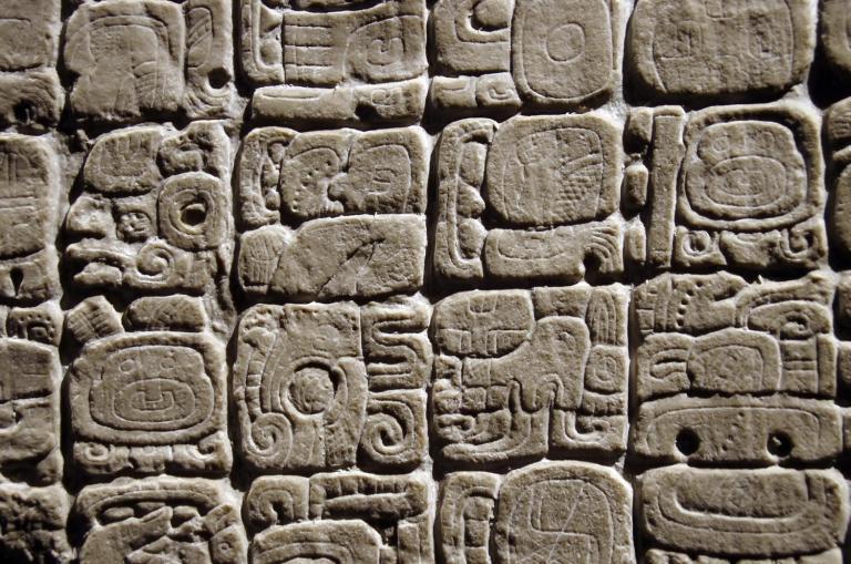 Tajemní Mayové: Dokonalé znalosti i krvavé praktiky