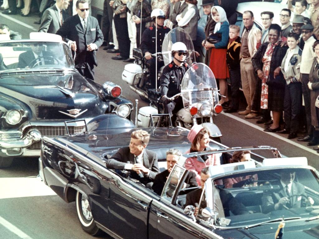 Proč rodinu Kennedyů provází smůla?
