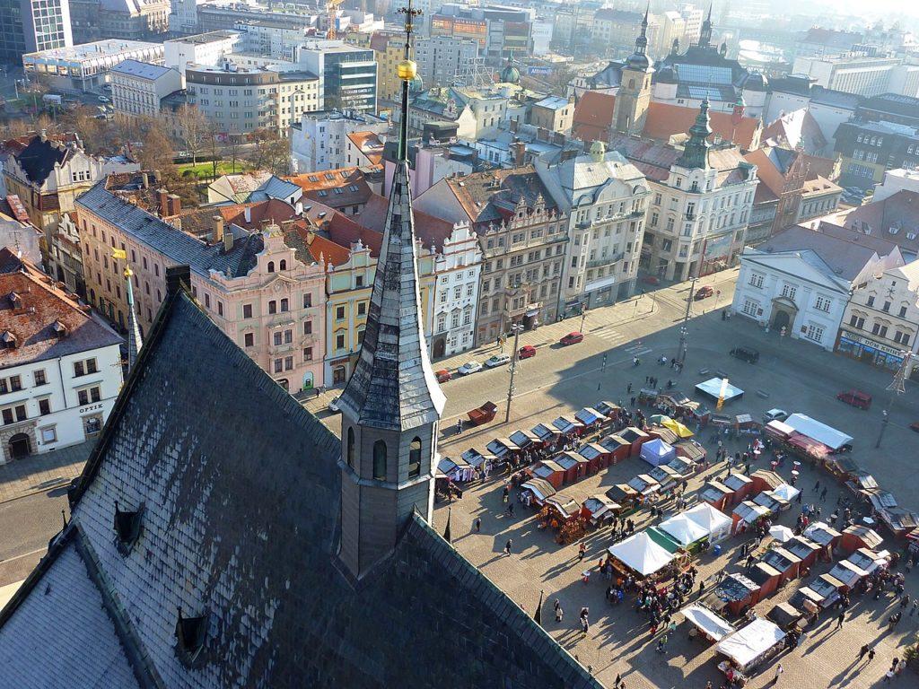 Výhled z věže katedrály sv. Bartoloměje FOTO: Michal Ritter /Creative Commons/ CC BY-SA 3.0