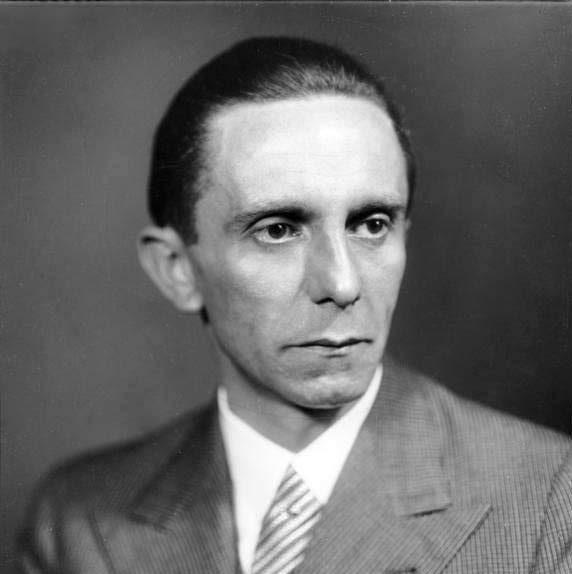 Okultismus vrukách nacistů: Goebbels luštil Nostradamovy verše!