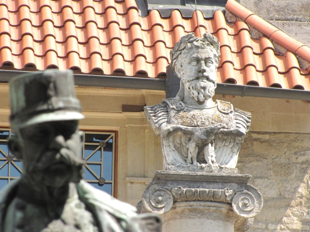 Dunajští mocnáři starověcí i novověcí…Františkovi Josefovi I. dýchají na záda římští císařové, kteří bránili Limes Romanus.
