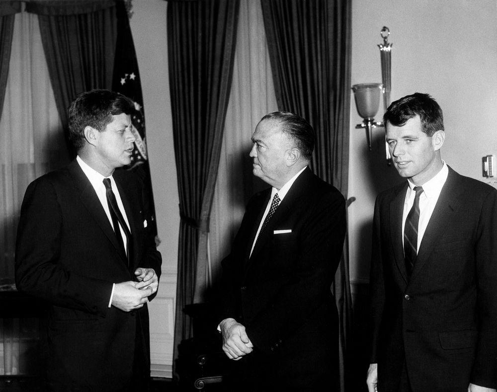 Komu překážejí Kennedyové: Smrt Johna a Bobbyho budí dodnes otázky