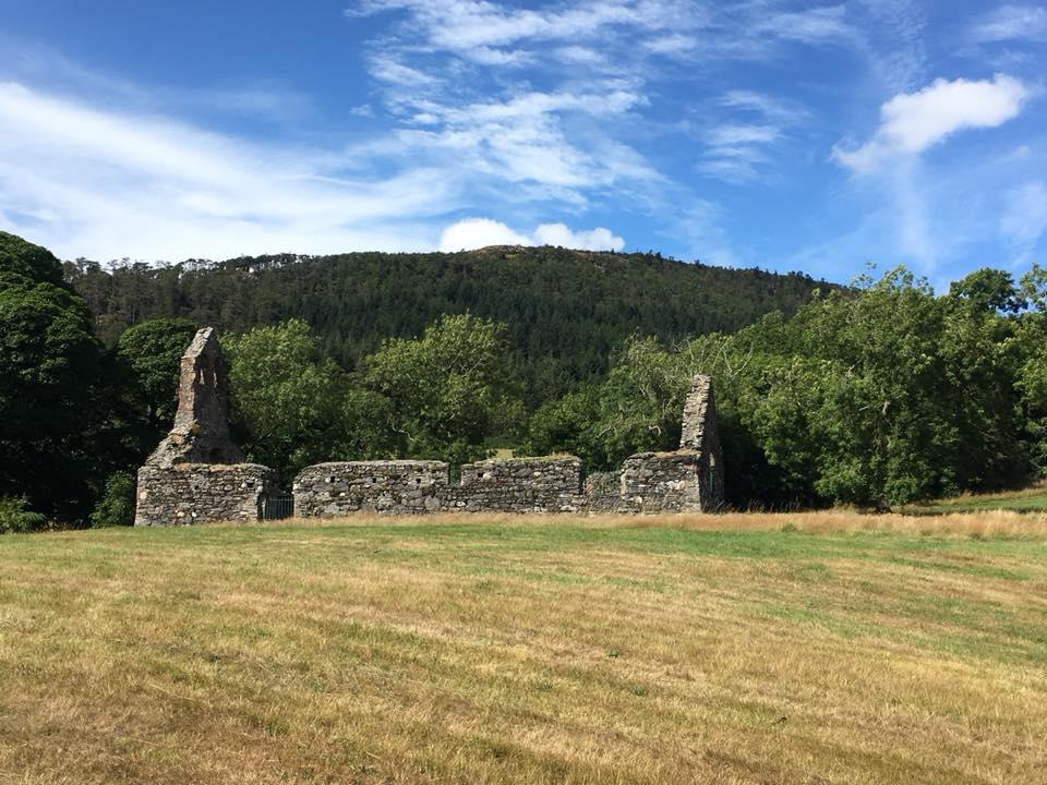 Ruiny legendárního kostela se na ostrově stále nachází. Foto: Harvey Milligan/Wikimedia Commons/CC BY-SA