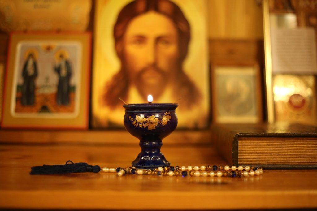 Velikonoční zázrak v Makedonii: Obrazy svatých září