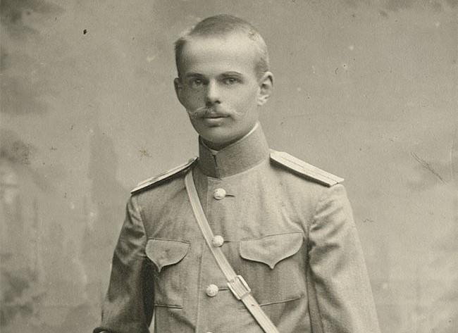 Šílený baron Ungern-Sternberg: Nepřátele prý upaluje v kotli lokomotiv!