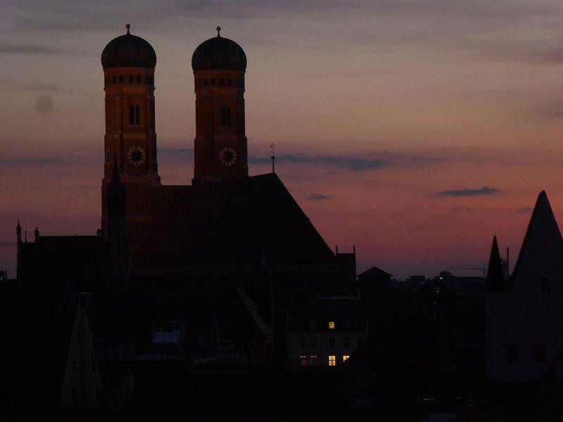 Podle pověsti krouží ďábel za nocí kolem věží katedrály.  Foto: Ilka Franz / Wikimedia commons - CC BY-SA 3.0