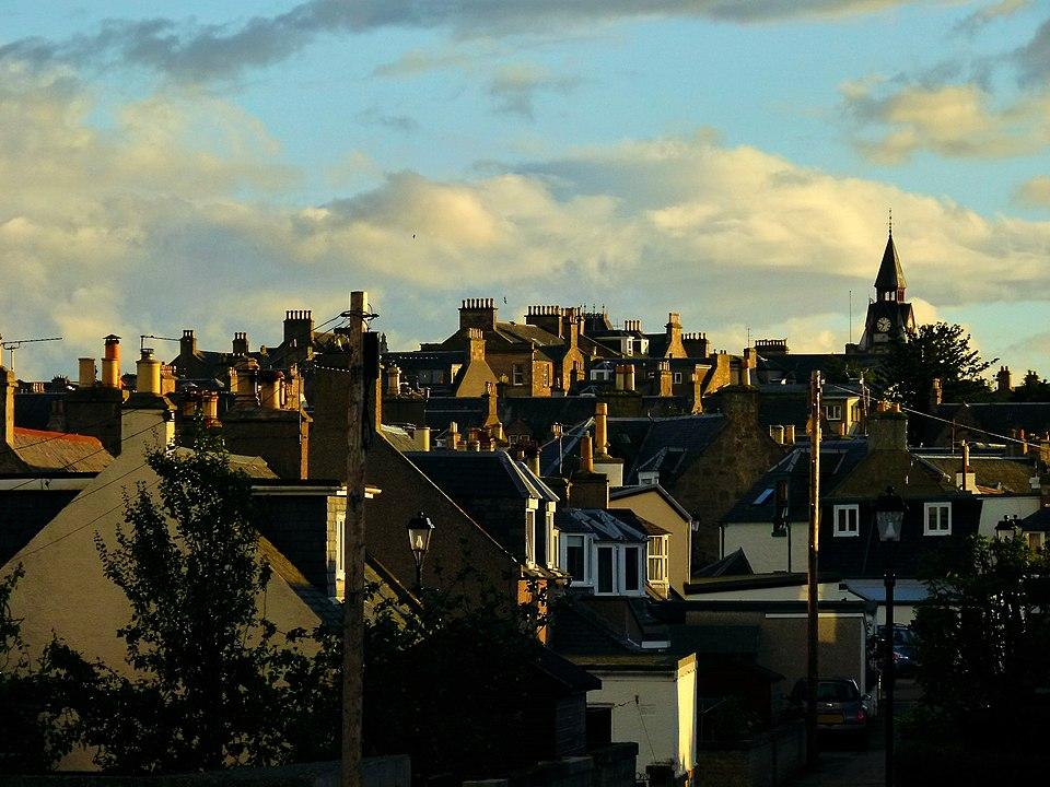 Ve skotském městečku Nairn slyší lidé hukot, který nejde ani vysvětlit, ani zastavit. Foto: Dg-505 / Creative Commons / CC BY 3.0