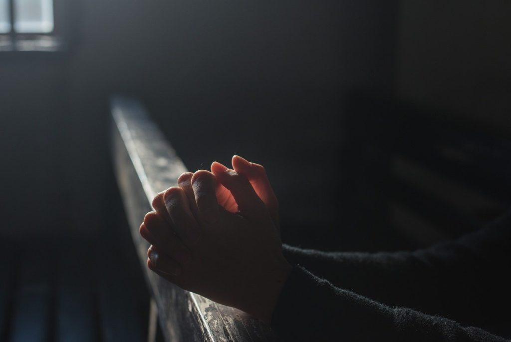 Třes rukou, který muže provázel, byl náhle pryč, foto Pixabay