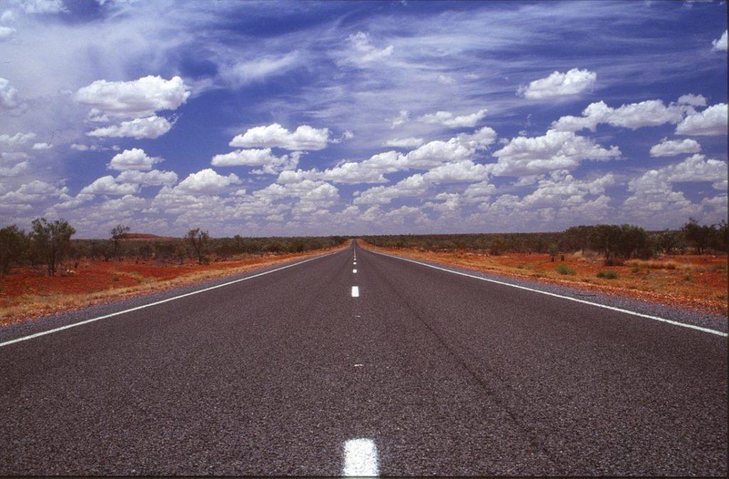 Zapomeňte na Roswell, UFO se slétají do Wycliffe Well v Austrálii