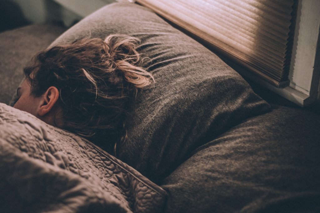 Netušeně spát a snít - to bude možná brzy minulostí. Firmy chtějí do snů propašovat reklamy. Foto: Unsplash