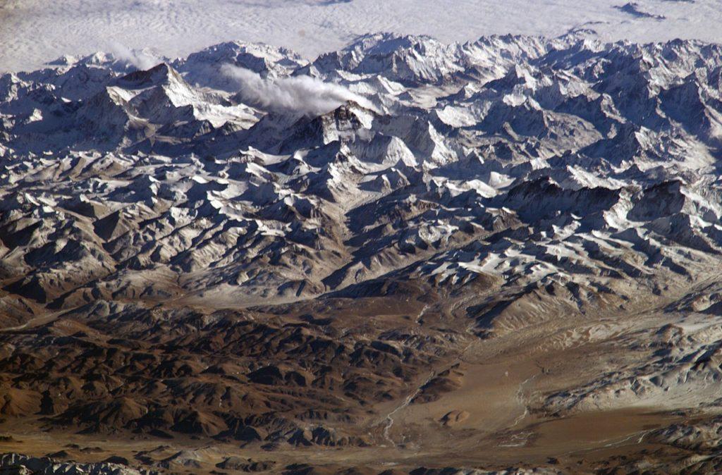 Pohled na Himalaje z Mezinárodní vesmírné stanice.. FOTO: NASA / Creative Commons / Volné dílo