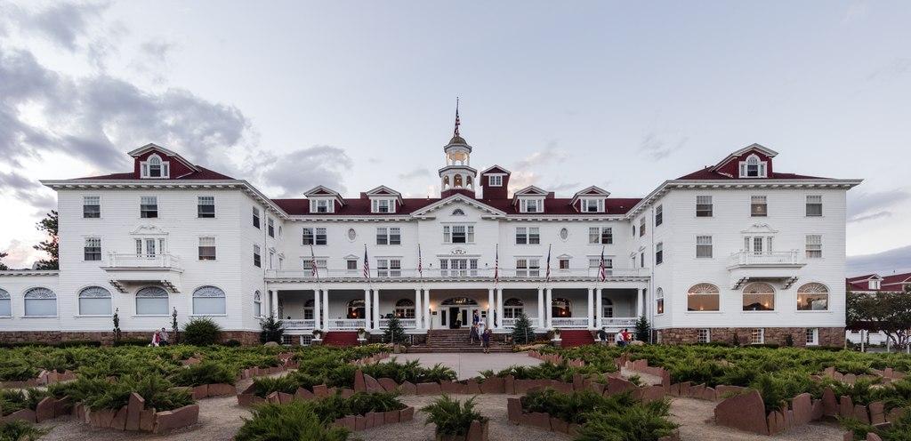 V hotelu z hororu Osvícení byl prý vyfocen duch