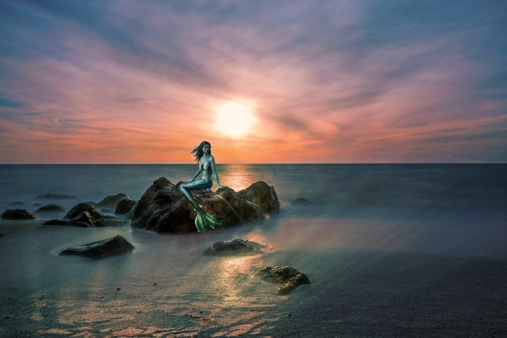 Není radno snažit se mořskou pannu chytit, člověk z toho může dokonce zemřít. Foto: Pixabay