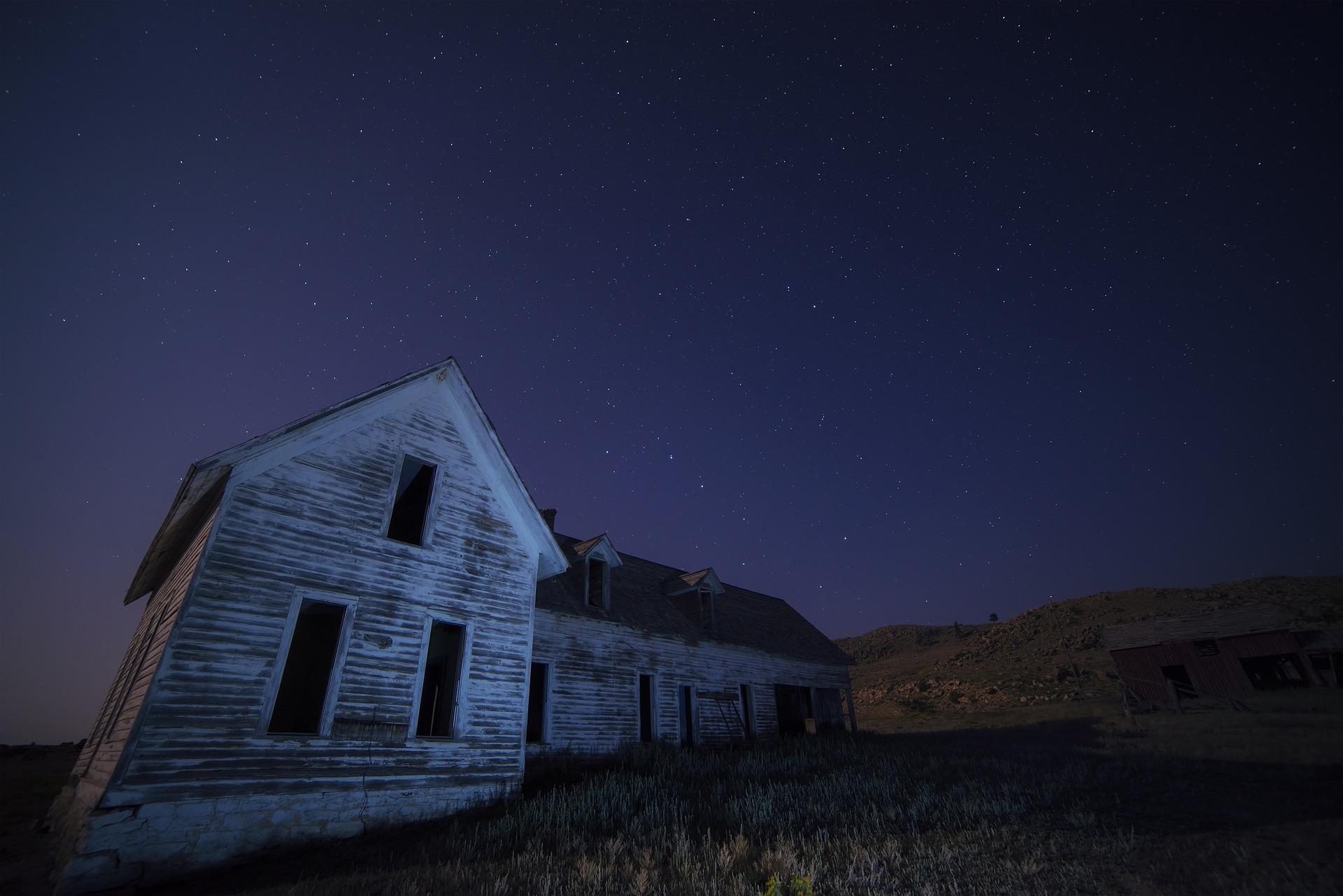 Americká rodina se nejspíš nastěhovala do domu plného démonů